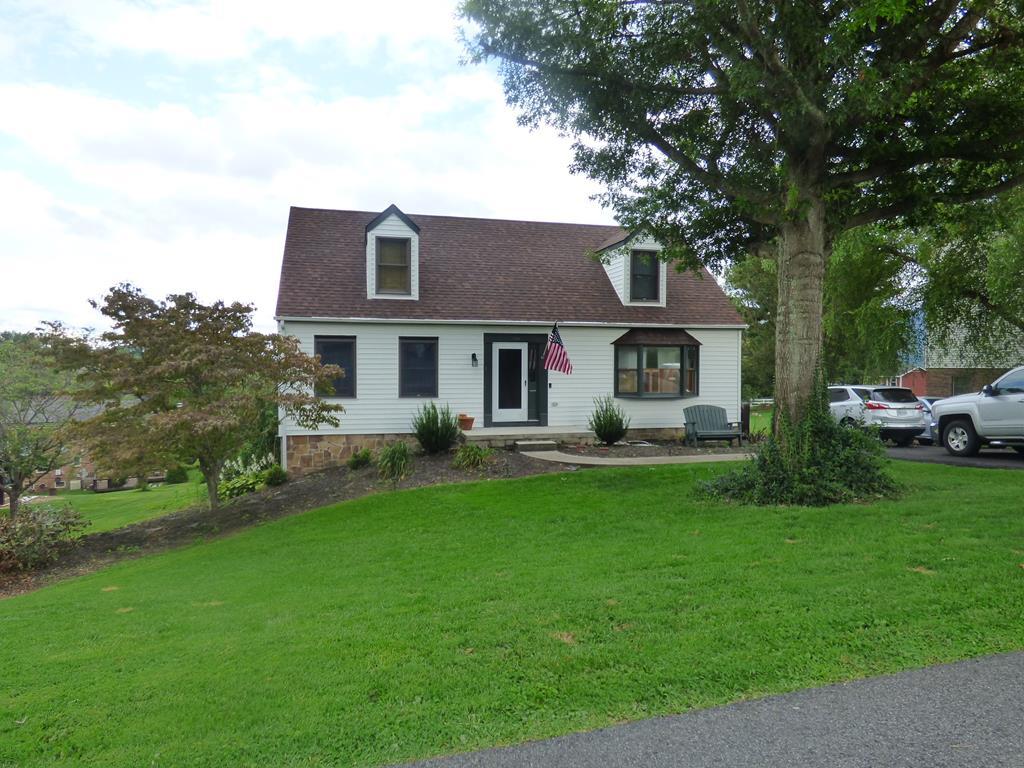200 Lakeview Drive Property Photo