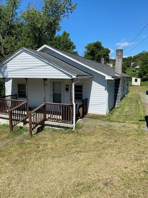 860 W Franklin St Property Photo