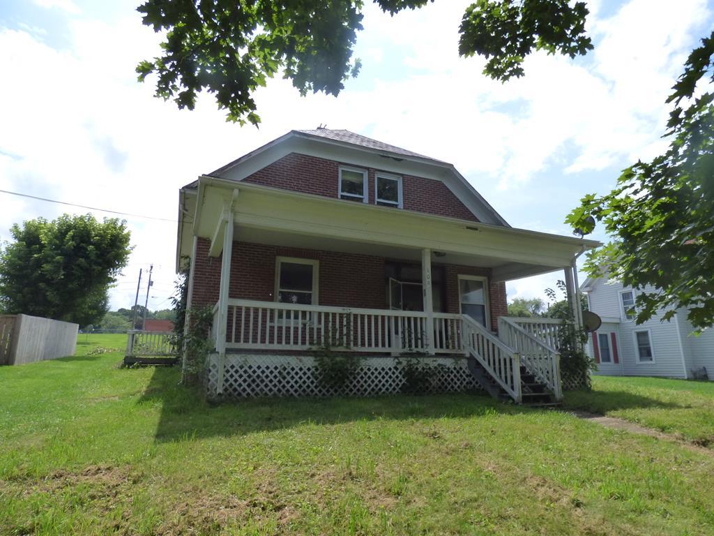 109 Baumgardner Aveue Property Photo