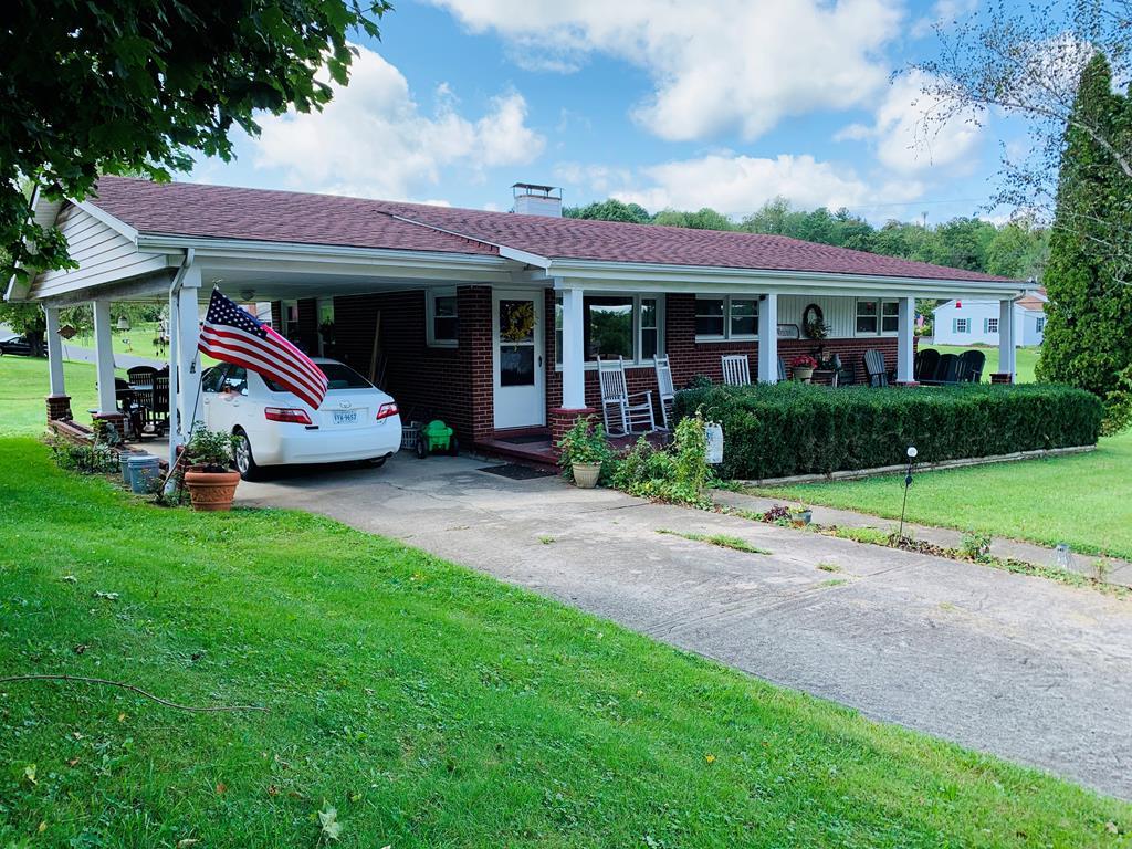 100 Ernie Pyle St. Property Photo