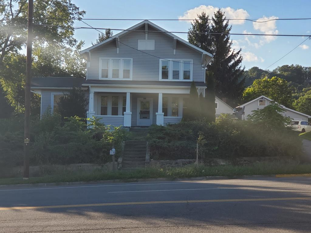 1060 Main Street Property Photo