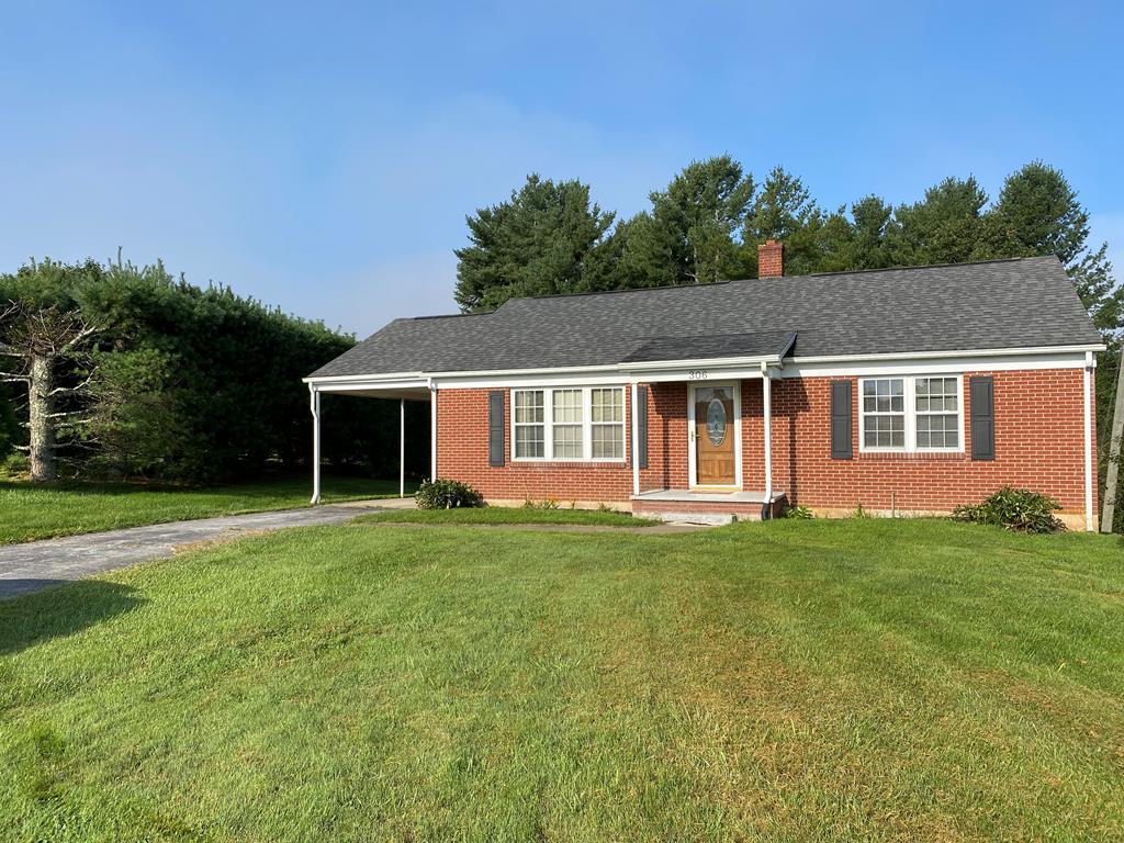 306 Country Club Ln Property Photo