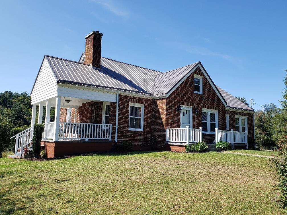 1186 Flatrock Rd Property Photo