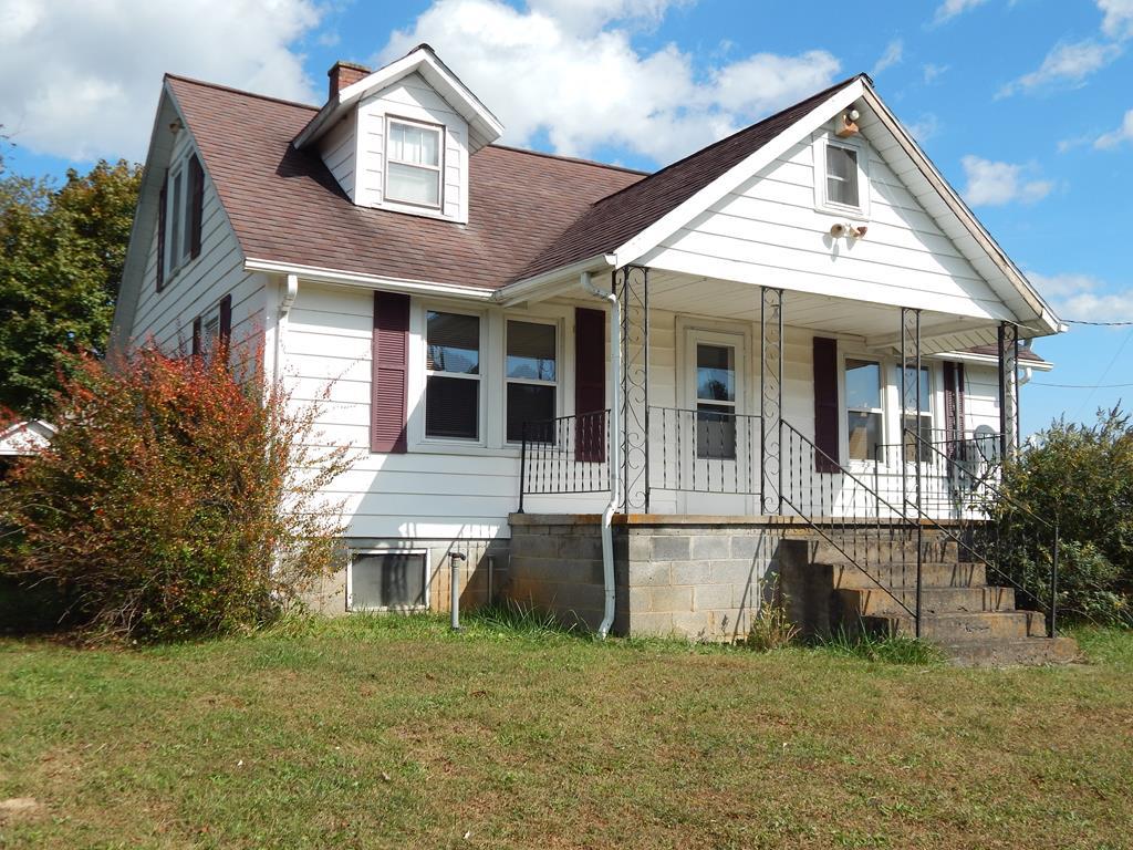 1069 Grayson Parkway Property Photo 1