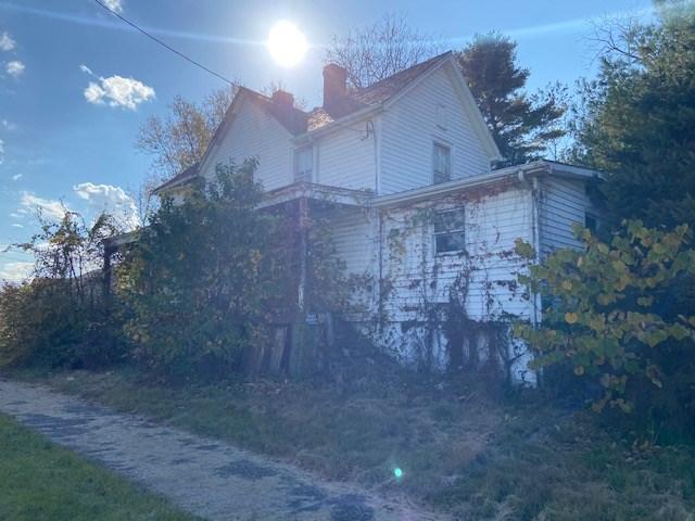 350 Calhoun St Property Photo 4