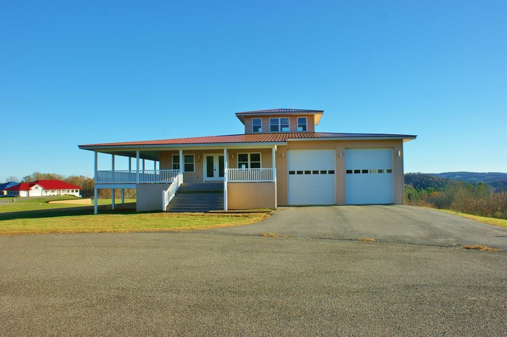 47 Crown Ln Property Photo