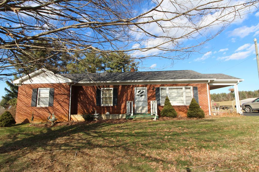 2828 Airport Road Property Photo