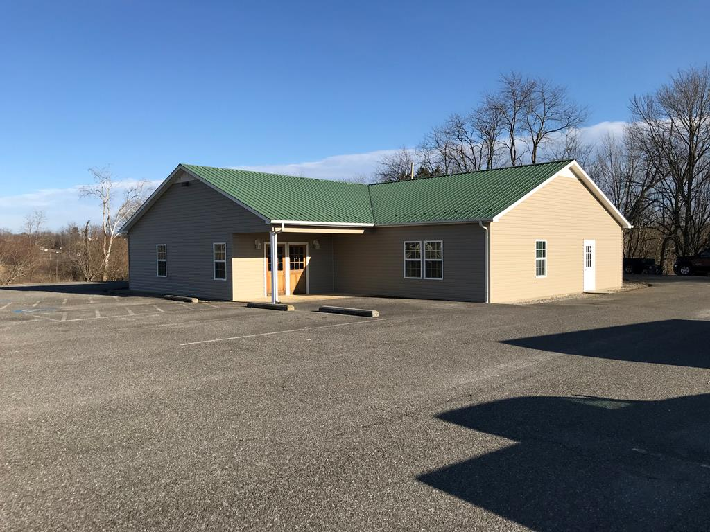 4419 East Lee Highway Property Photo