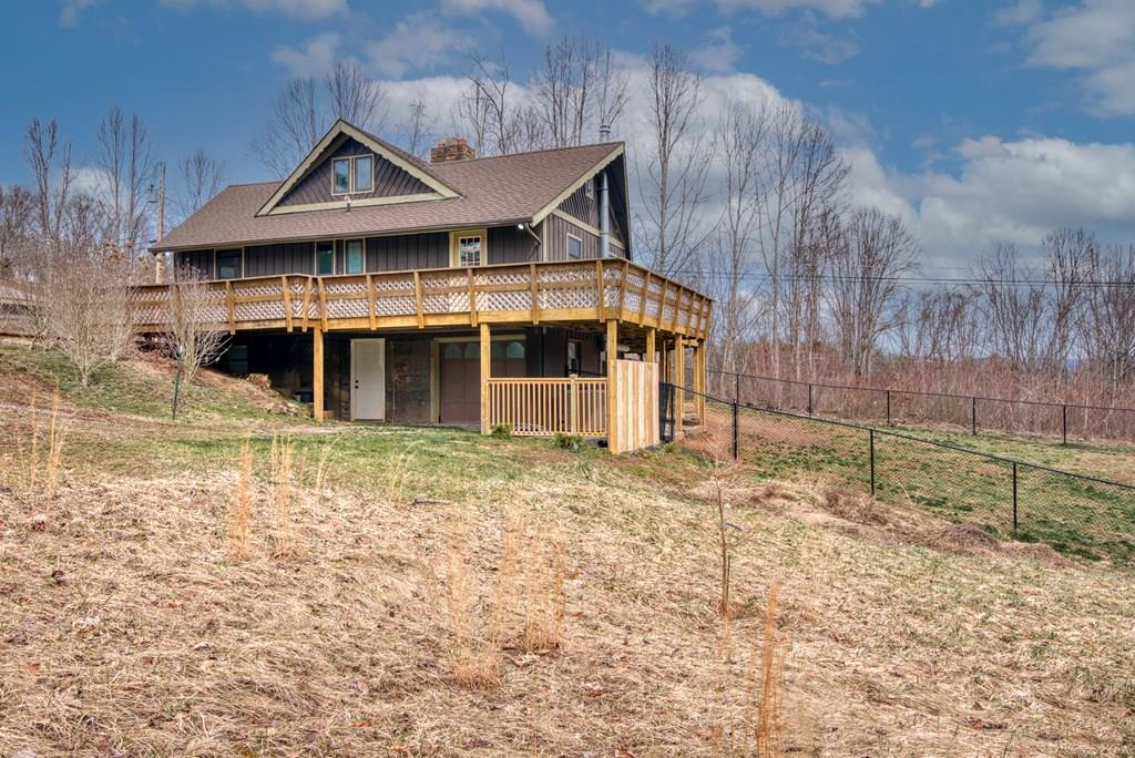 3511 N Highway 421 Property Photo