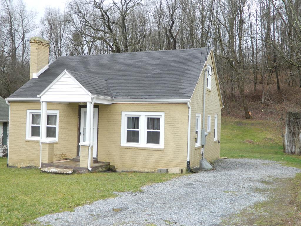 316 Staley St Property Photo 1