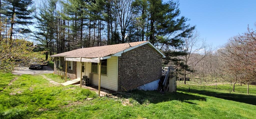464 Pugh Mountain Rd Property Photo