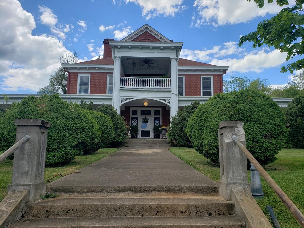412 W West Stuart Dr. Property Photo