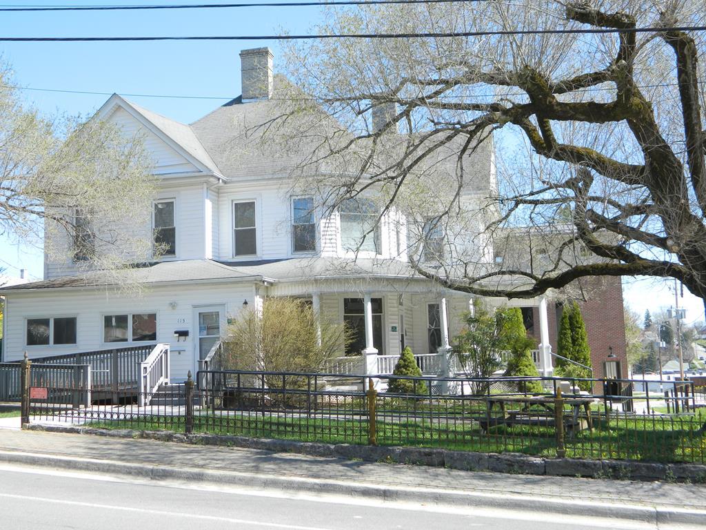 115 N Church Street Property Photo