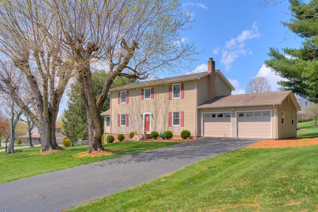 5313 Cougar Circle Property Photo