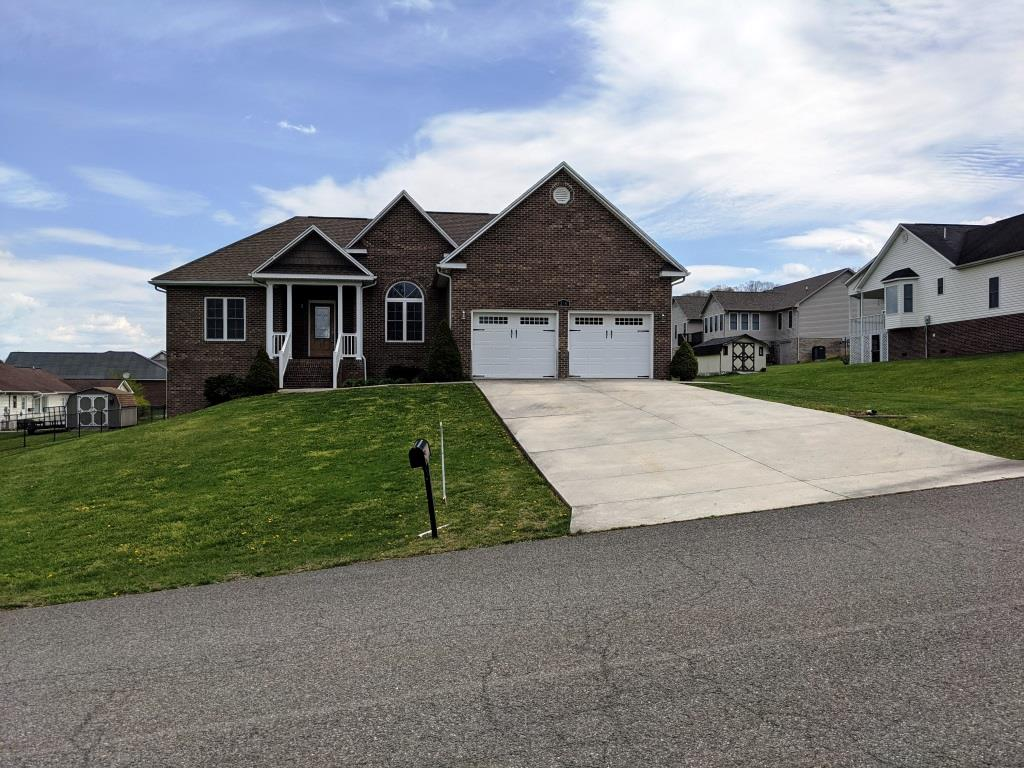 250 Knollwood Ln Property Photo
