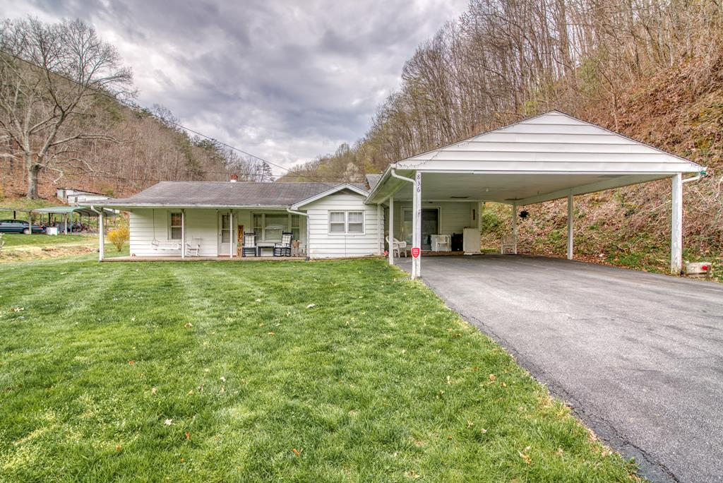 836 Cleghorn Valley Property Photo 1