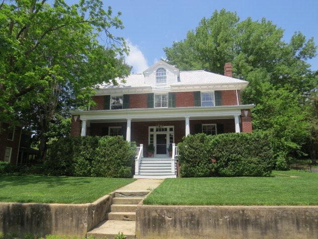 147 E Valley Property Photo 1