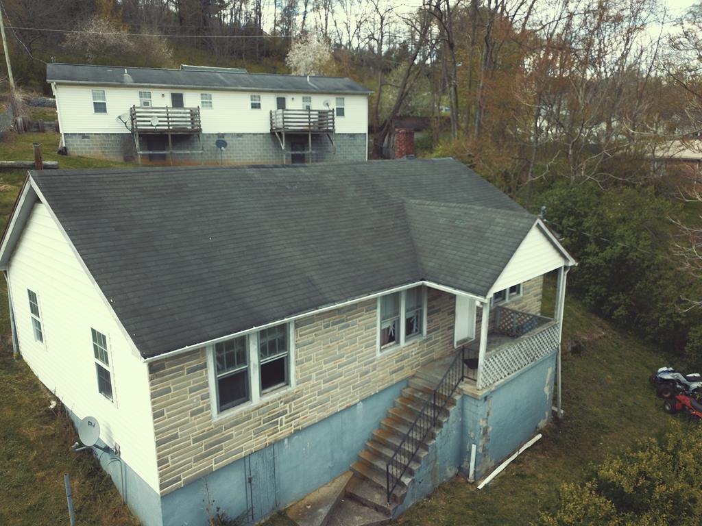 829 Riverside Drive Property Photo