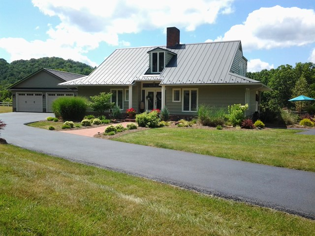 411 Edgewater Drive Property Photo