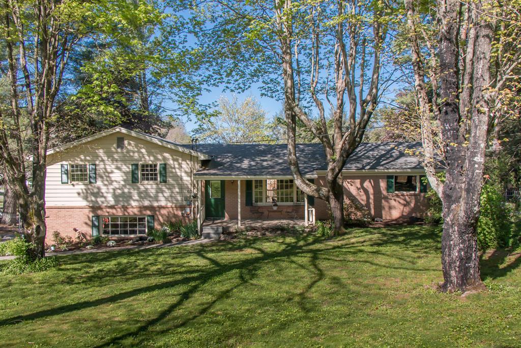 21326 Cavalier Circle Property Photo