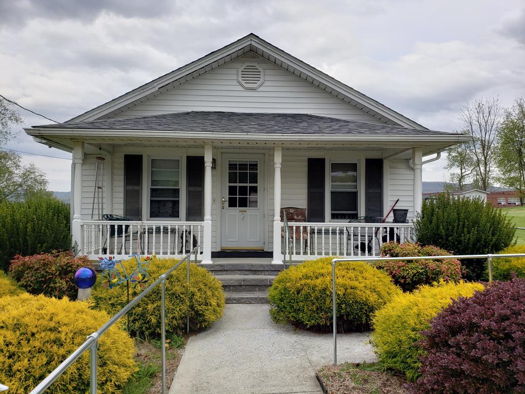 1495 W Pine Street Property Photo