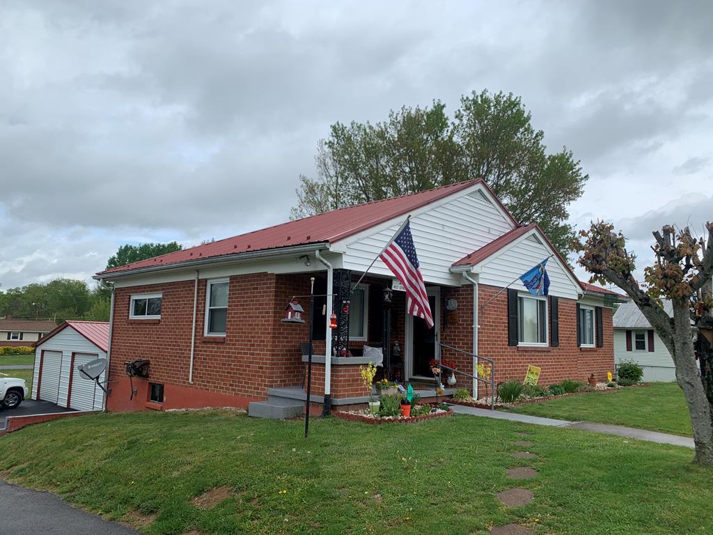 215 W Coyner Ave Property Photo 1