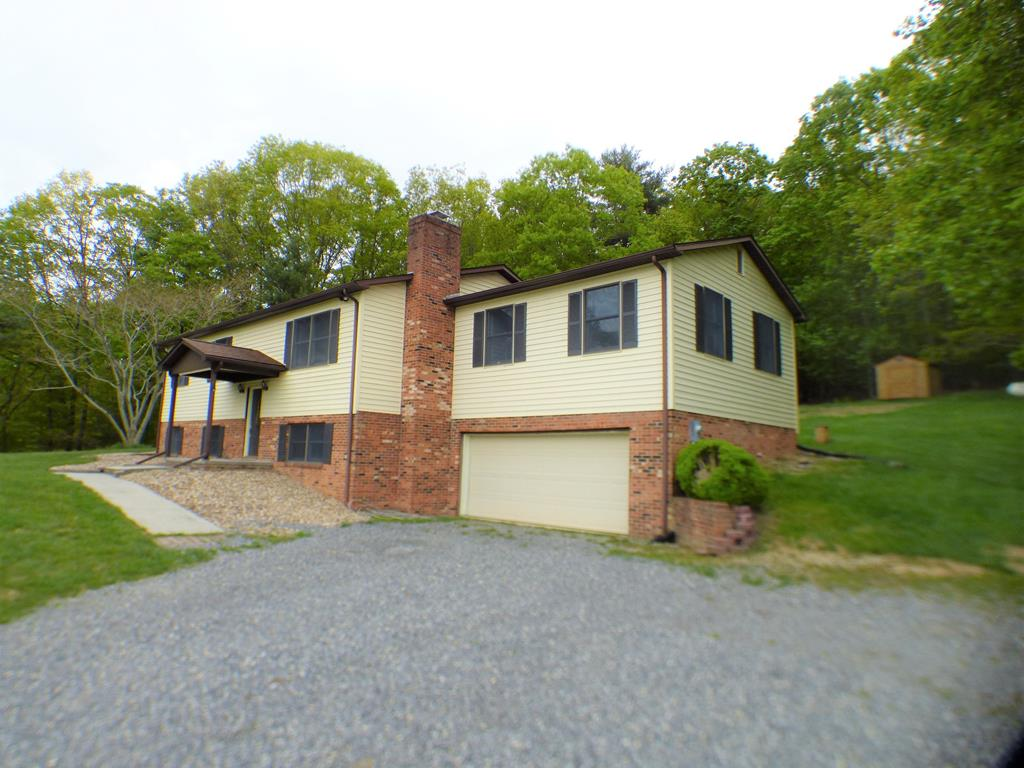 2910 Fairview Parkway Property Photo 1