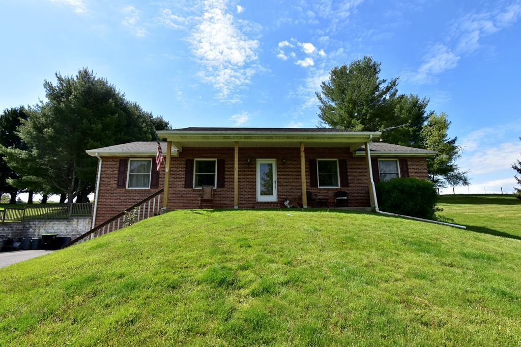 237 Oak Hollow Cir Property Photo 1