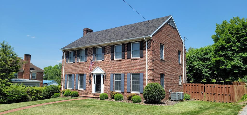 351 W Main Street Property Photo 1