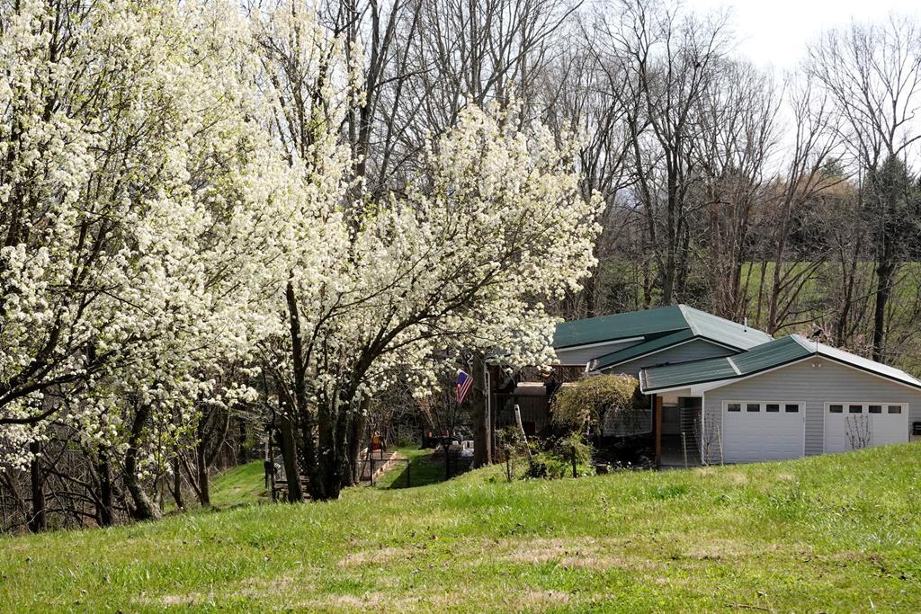 149 Willow Ridge Lane Property Photo 1
