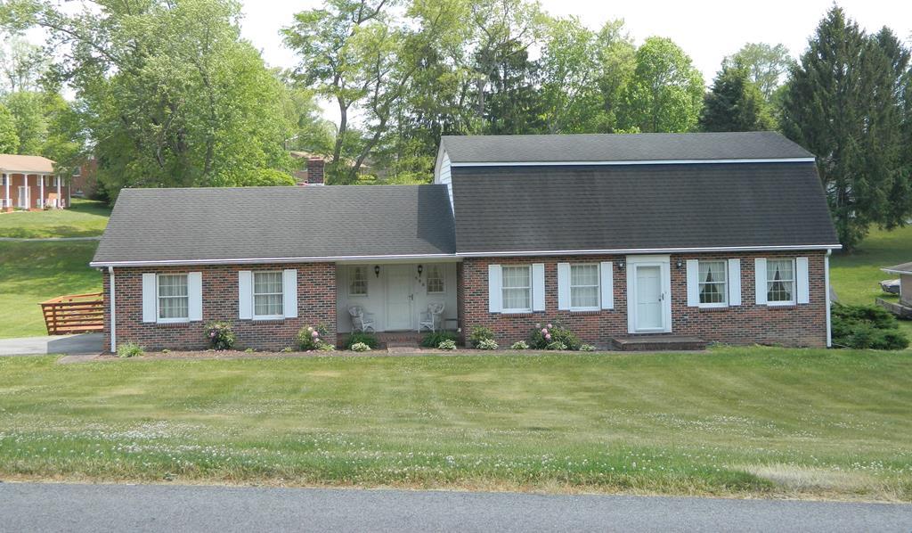 590 Fowler Street Property Photo 1
