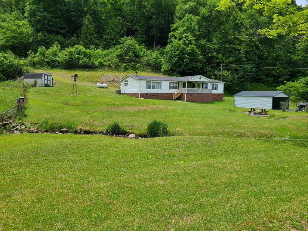 4621 Combs Ridge Road Property Photo