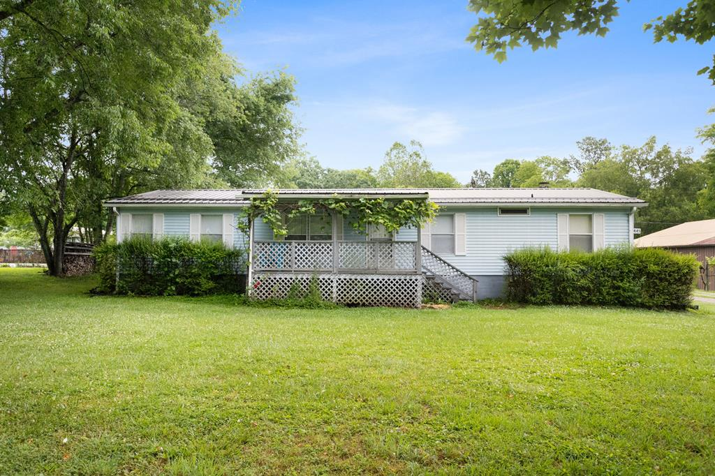 445 S Church Street Property Photo