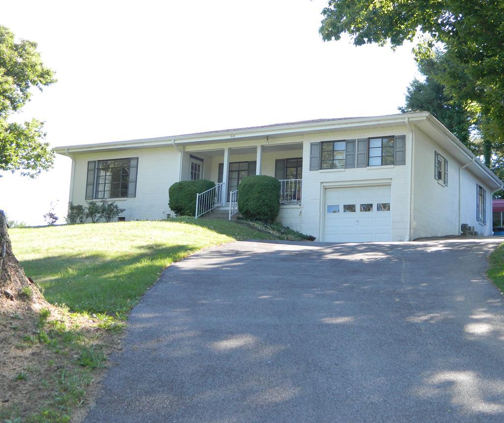 318 Wassona Circle Property Photo 1