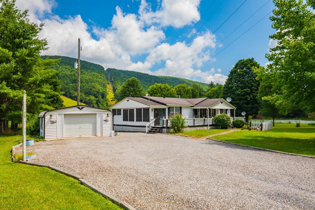 8205 Little Creek Highway Property Photo