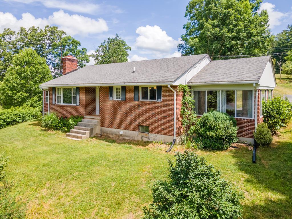 502 Oak Hill Drive Property Photo