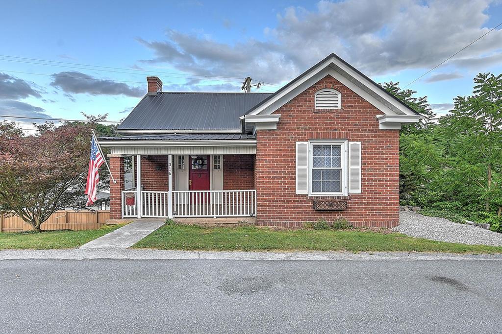316 W Main Street Property Photo 1