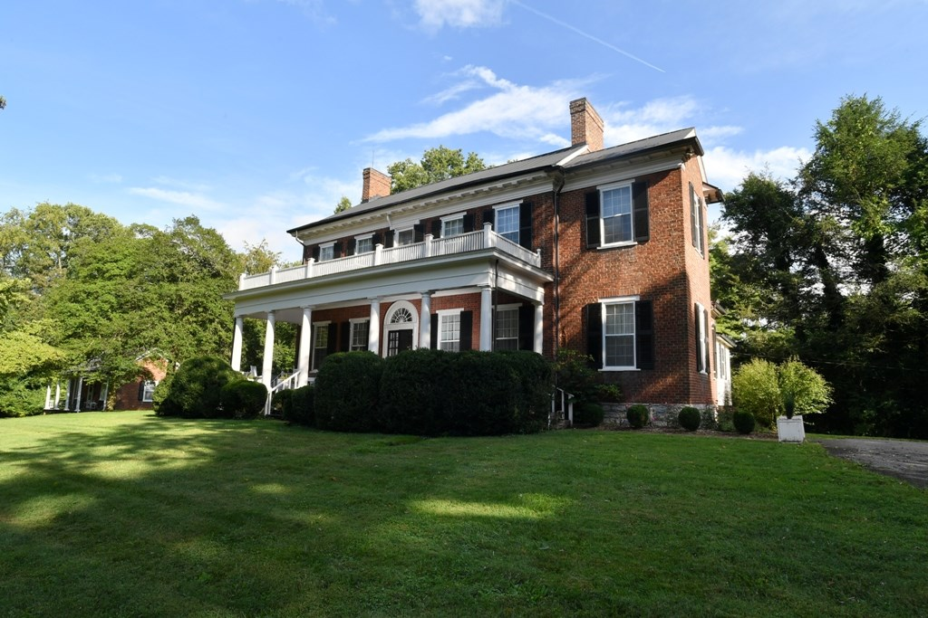 344 Cummings Street Property Photo 4