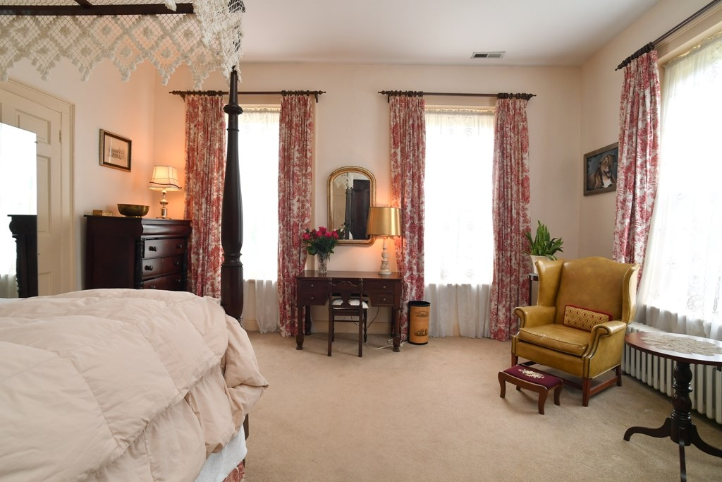 344 Cummings Street Property Photo 23