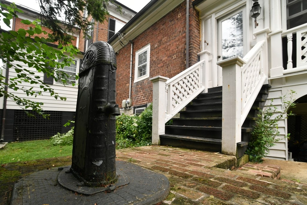 344 Cummings Street Property Photo 36