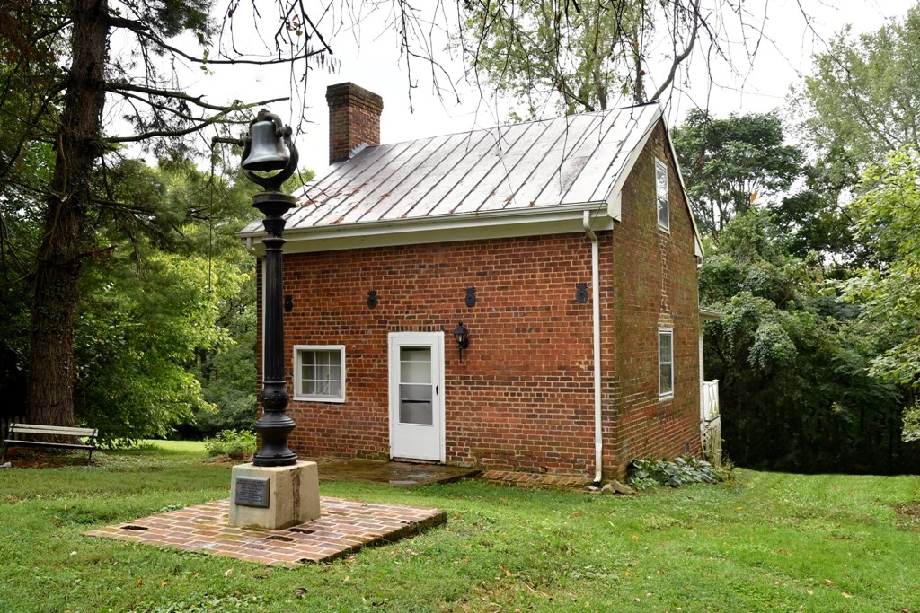 344 Cummings Street Property Photo 42