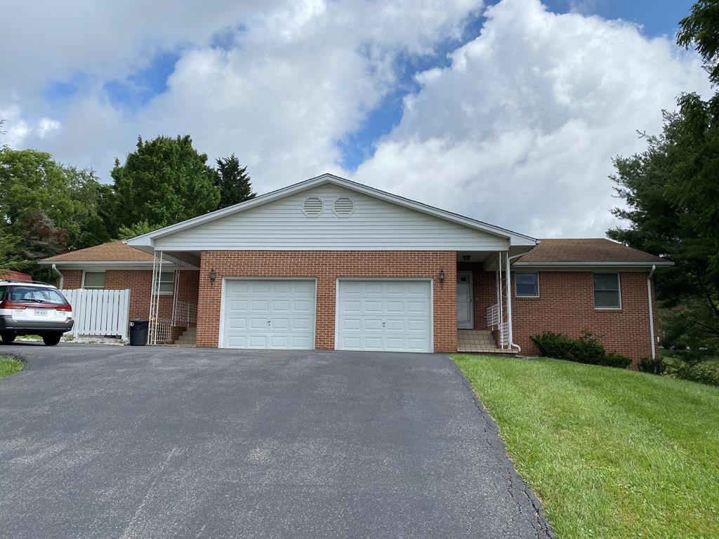 625/627 Hilltop Street Property Photo 1