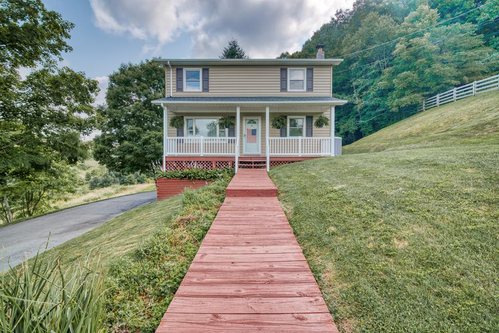 981 Laurel Springs Road Property Photo 1