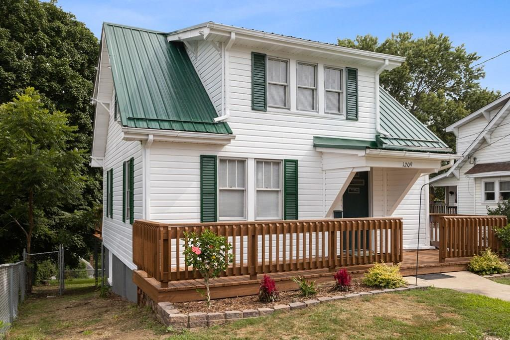 1209 Massachusetts Ave Property Photo