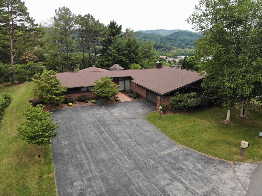 179 Panorama Drive Property Photo 1