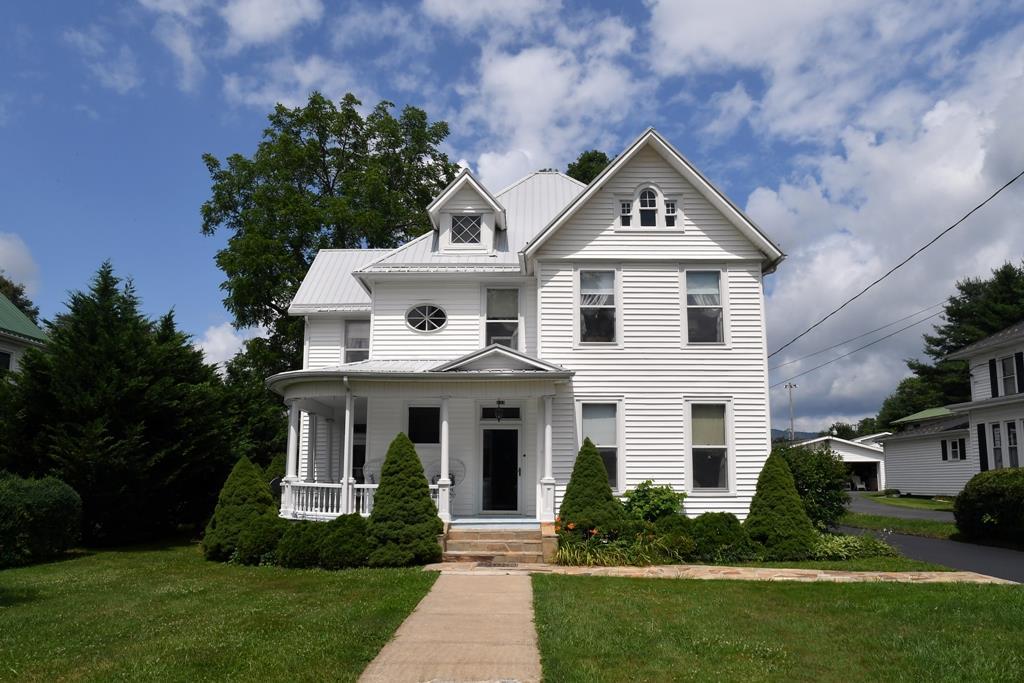 233 N Church Street Property Photo