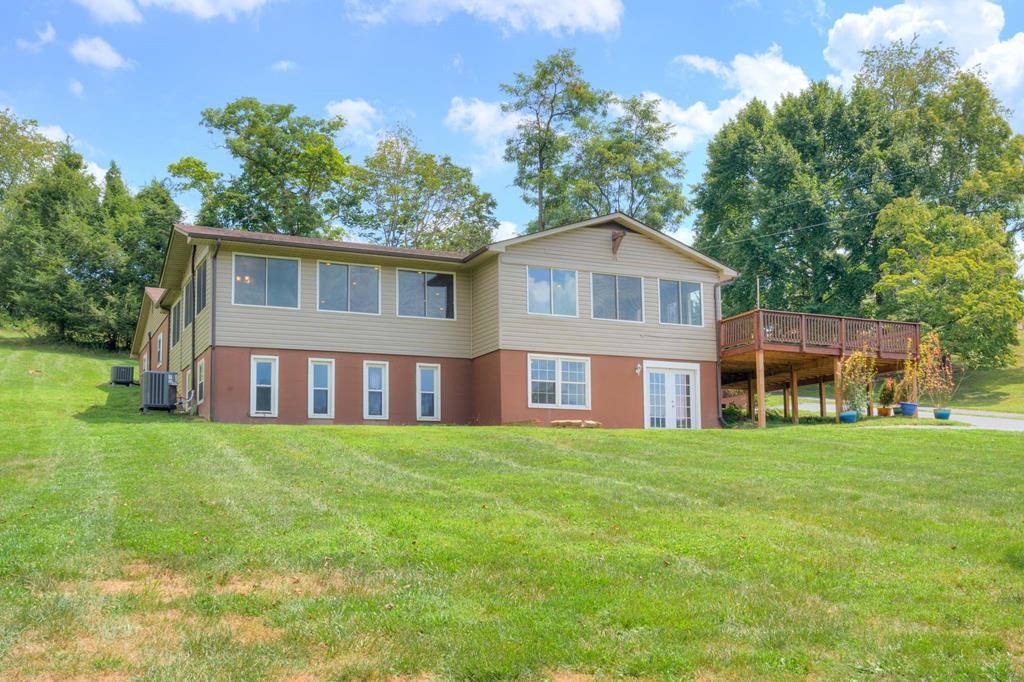 6722 Lake Drive Property Photo
