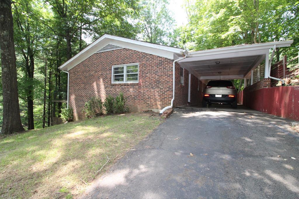 202 Cedar St Property Photo 1