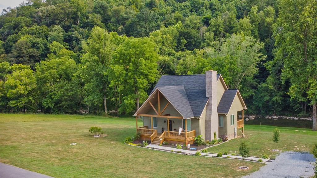 22490 N Fork River Road Property Photo 1