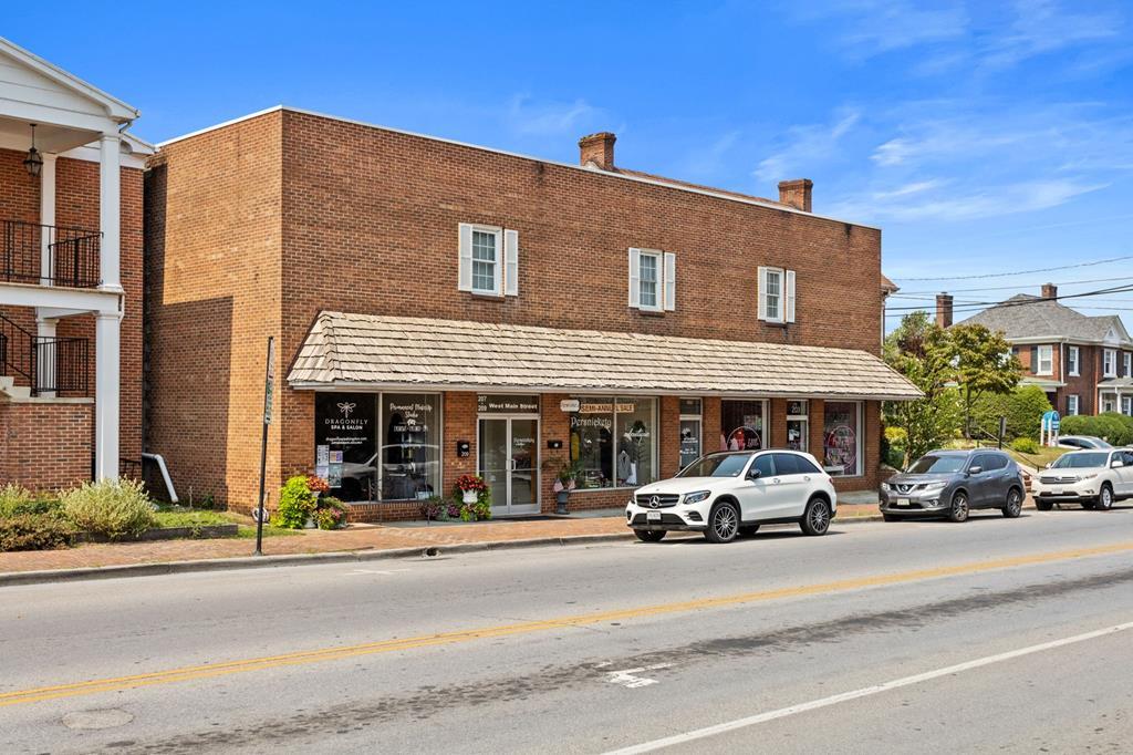 203 W. Main Street Property Photo 1